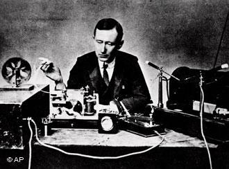 Marconi havia enviado os primeiros sinais telegráficos através do oceano